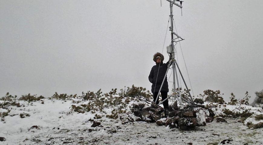 установка автономной метеостанции в Байкало-Ленском заповеднике,